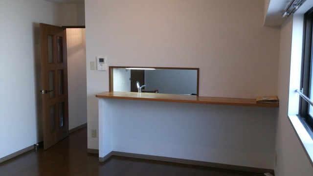 カサグランデ大宮 301号室のリビング
