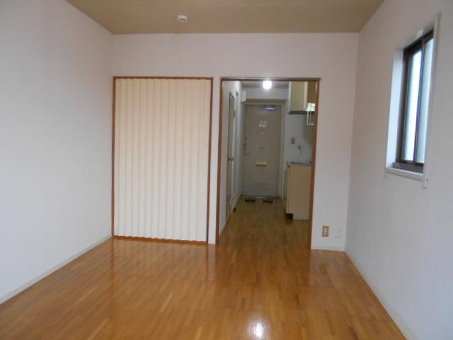 アーバンライフN 301号室の居室