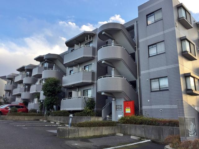 ロイヤル二俣川B棟外観写真