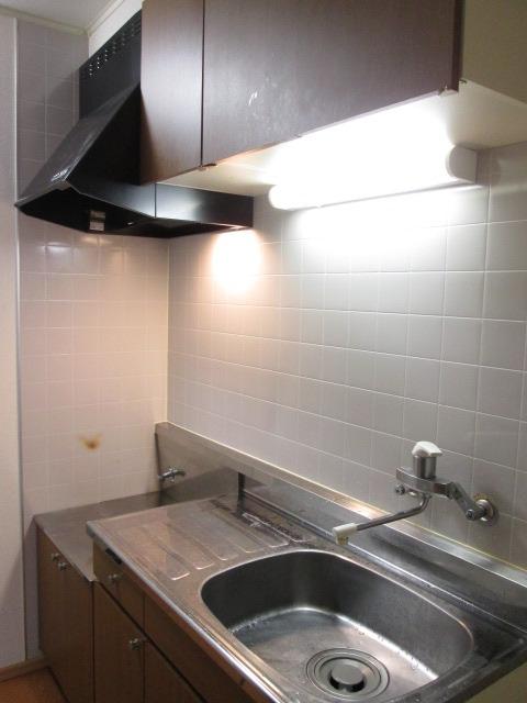クレール稲城 103号室のキッチン