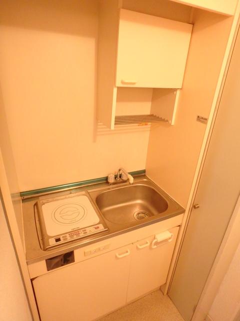 サンローゼアゼミ 103号室のキッチン