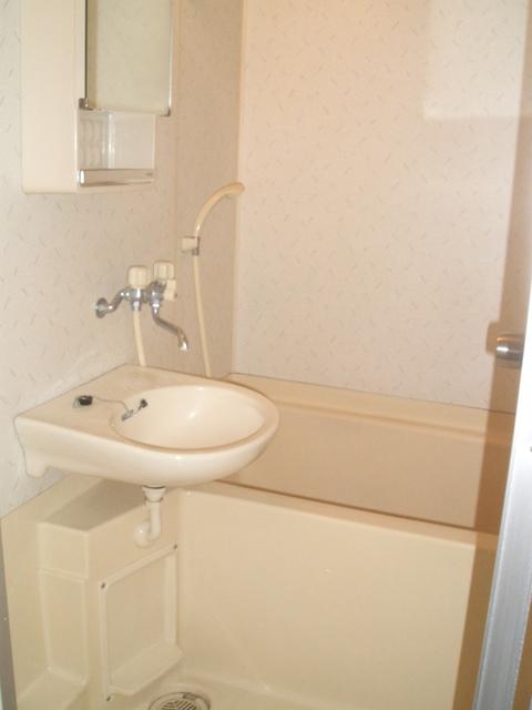 アイラ B 103号室の風呂
