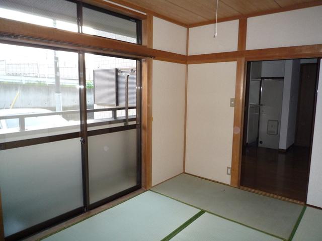 エクシブ柿ノ下 202号室のリビング