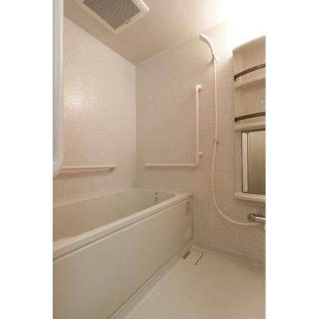 リューズ・リバー月島 504号室の風呂