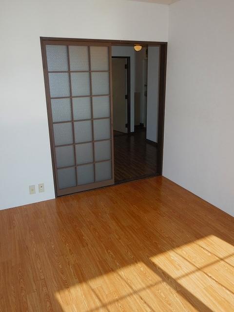 ラ・ホンテ・コグレ A205号室のリビング