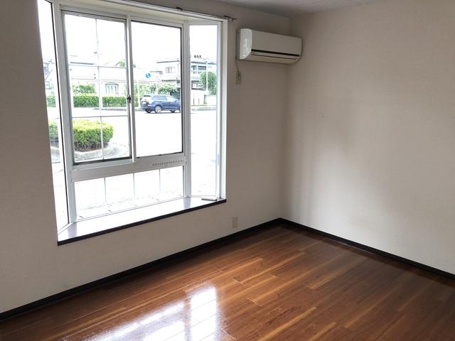 ラ・ホンテ・コグレ B101号室のリビング