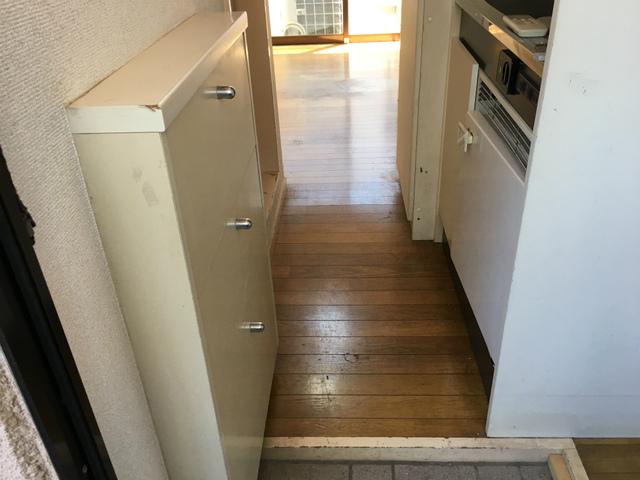 ピュアハウス松ケ丘二番館 205号室の玄関