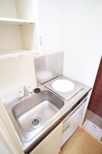 ピュアハウス松ケ丘二番館 205号室のキッチン