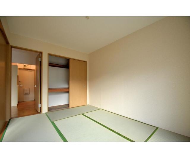 グランローゼ御仲井 101号室の収納