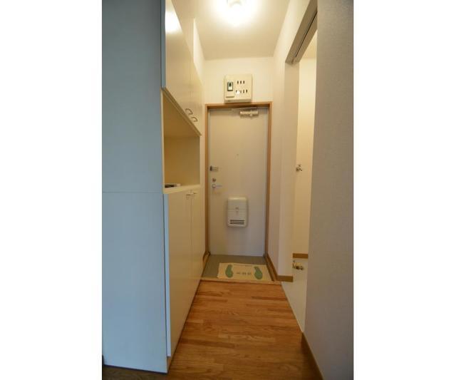 グランローゼ御仲井 101号室の玄関