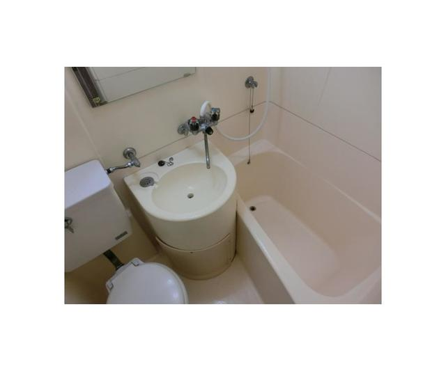 バウムハウス 201号室の風呂