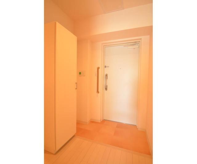 ロハス江坂 207号室の玄関