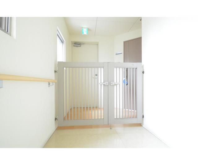 ロハス江坂 308号室の玄関