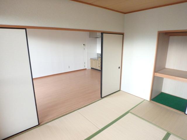サントリーニマンション 105号室のベッドルーム