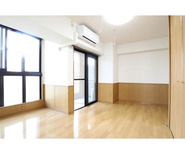 江坂OMパレス 801号室のリビング