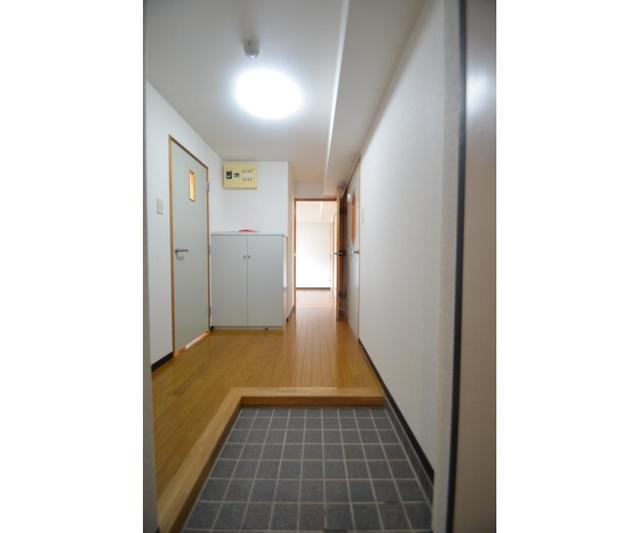 エムティビル 402号室の玄関