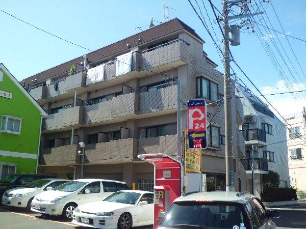 日宝コート金沢文庫外観写真