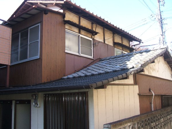 荻野荘 105号室の外観