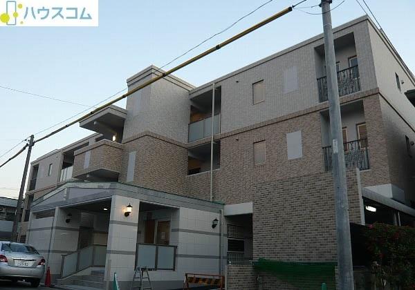 ピオーネ覚王山 203号室の外観