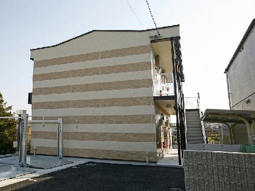 レオパレスMADANI外観写真