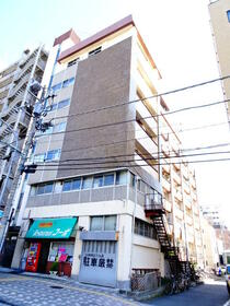 メトロ阪東橋駅前外観写真