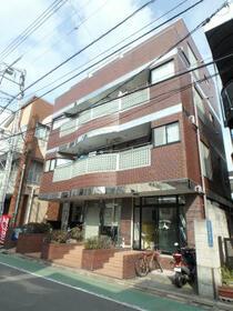 阪本マンション 302号室の外観