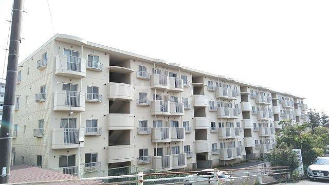 湘南カワマヒルズ 102号室の外観