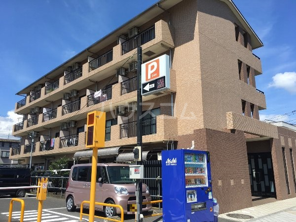 ケンハウス・秦野駅南口マンション外観写真