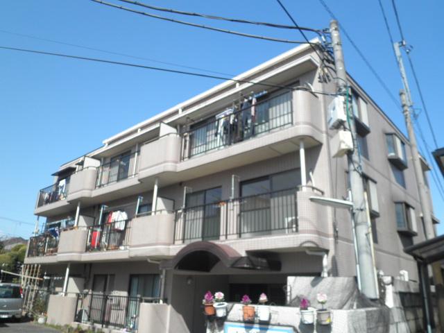 マンション太田窪 206号室の外観
