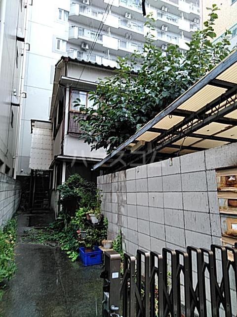 岡本荘 202号室の外観