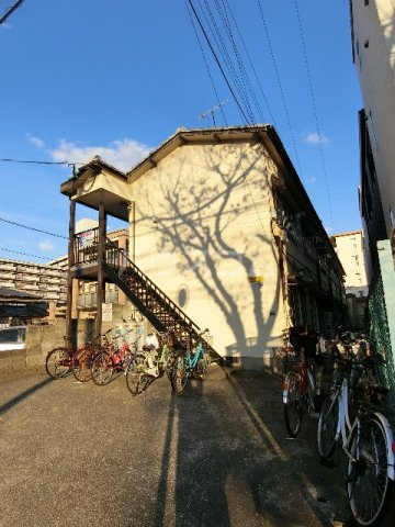 窪田ハイツ  201号室の外観