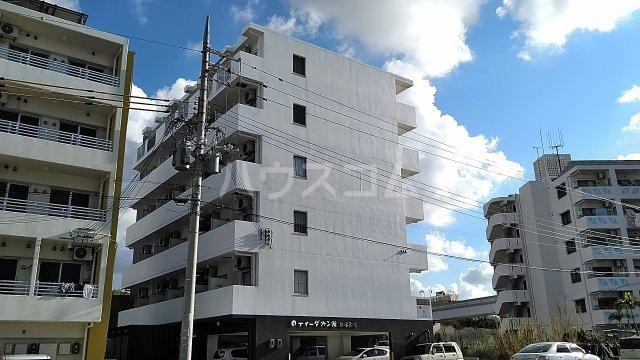 ティーダカン・館 経塚駅前外観写真