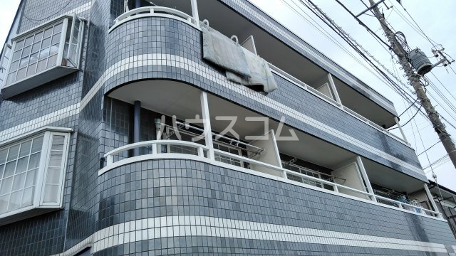 コート・アンリバー 201号室の外観
