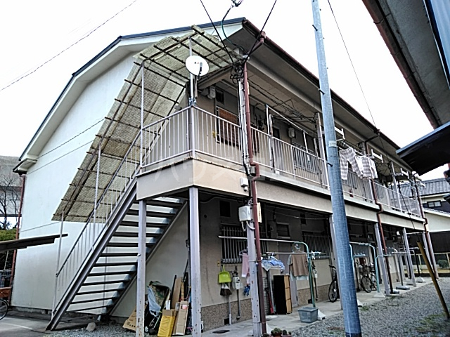 吉田コーポ外観写真
