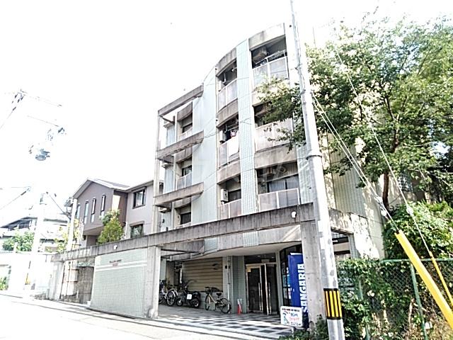 EASYBOX稲外観写真