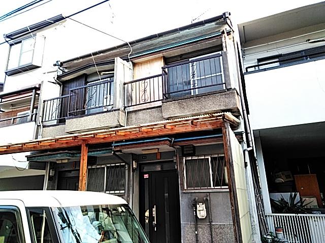 西田中町テラスハウス外観写真