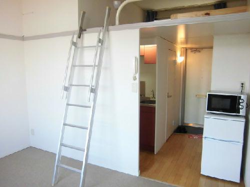 レオパレスJピア 109号室のリビング