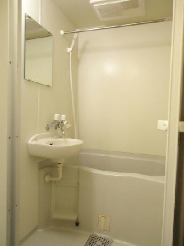 レオパレスTAKAHASHI Homes 203号室の風呂