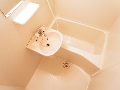 レオパレスラピス城南 108号室の風呂