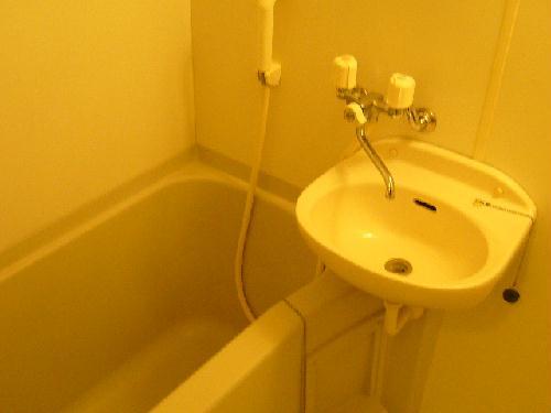 レオパレス吉根第2 201号室の風呂