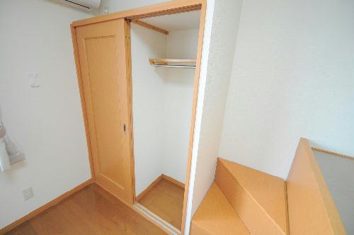 レオパレス銚子セカンド 207号室の収納