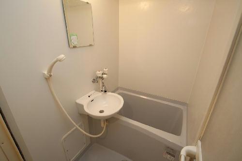 レオパレスリバーサイド室町 203号室の風呂