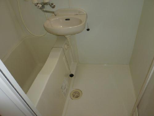 レオパレスエレガンス サトウⅠ 106号室の風呂