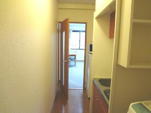 レオパレスパールアケノ第4 101号室の玄関