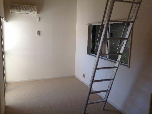 レオパレスカーサ瀬谷 201号室のリビング