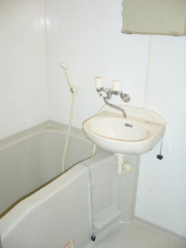 レオパレスオリオン 201号室の風呂