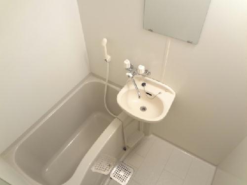 レオパレスグローリーハウス24 209号室の風呂