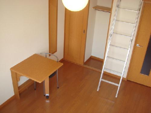レオパレス富士 319号室のリビング
