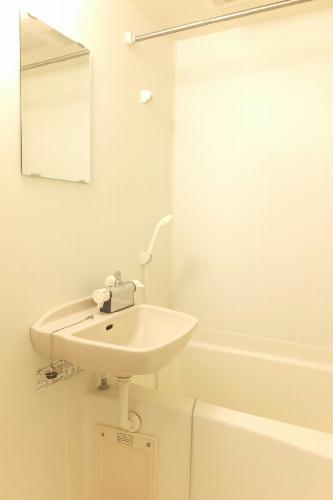 レオパレスユキコーポ77 208号室の風呂