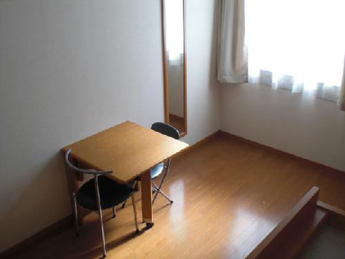 レオパレス幸田A 207号室のリビング